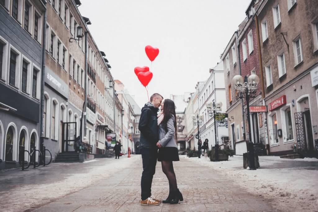 【ネイティブも落ちる?】愛してるを表現する11個の英語フレーズ